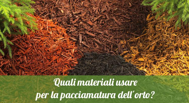 Materiali per la pacciamatura dell'orto.